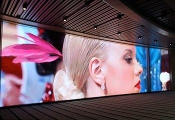 China RGB P4 Indoor LED Display Screen Full Color HD LED Billboard Display Energy saving supplier
